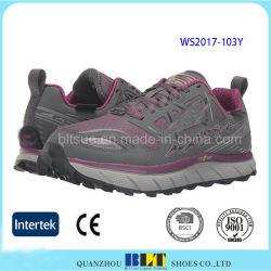 熱い販売の運動ゴム製Outsoleの女性スポーツの靴
