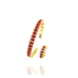 Jeune femme de la jeunesse Fashion Ruby Bangle Bracelet accessoire bijouterie