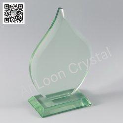 ヒスイのガラス賞、装飾、顧客のロゴのための緑のヒスイガラスはエッチングすることができる。 ガラス賞、ガラストロフィ