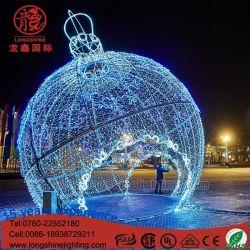 En el exterior de la luz de Navidad gigante en 3D Paseo por motivo de la bola de luz para la decoración Comercial