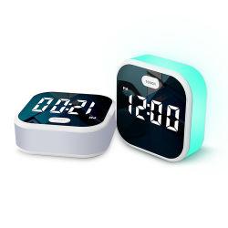 Pequeño LED multicolor 7 Digital Reloj Despertador de luz de noche