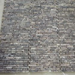 شكل شريط بسمك رفيع من لوحة Mosaic الرخامية على شكل شريط متشابك فارسي غطاء ظهر من الألومنيوم المصقول الرمادي يتميز بالحجر الفسيفسائية