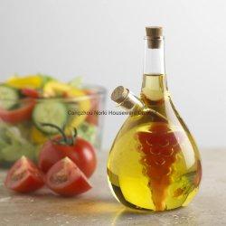 As uvas clara concepção azeite e vinagre Garrafa