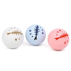 3PCSペット猫のおもちゃのイヌハッカの球の標識燈および自然なイヌハッカEsg12733が付いている三色のプラスチック対話型の球のトレーニングのスポーツ小さい鐘