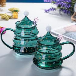 クリスマスのための手作りの Pyrex ガラスの飲むマグガラス製の家の使用