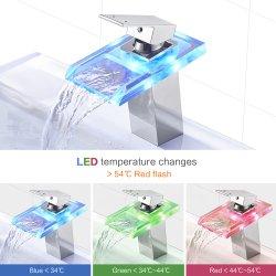 浴室LEDの軽い洗面器のコック3カラー滝のガラス口の流しのコック冷たいおよび熱湯の混合弁