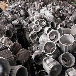 مصبوبة من الصلب أو منتجات مصبوبة من الحديد