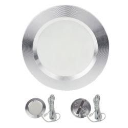 مصابيح LED داخلية في السقف ومضاءة لأسفل وموصلات إضاءة داخل حجرة الإضاءة