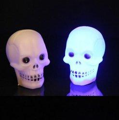 할로윈 LED 해골은 밤에 사용됩니다