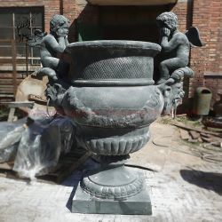 Groothandel grote Tuin metalen Urns Planters Gietijzer Romeinse engel Standbeeld Bloempot