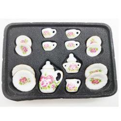 Para niños utensilios de cerámica con flores.