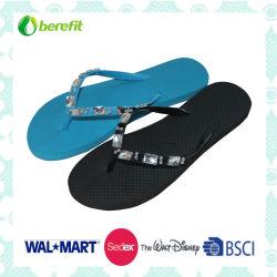 PE sole et de décoration supérieure en PVC avec Beed, pantoufles