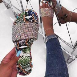 女性の靴、夏の女性の偶然のスリッパ、贅沢なきらめきの女性のサンダルのスリッパ