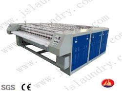 Una macchina per stirare industriale delle tre dei rulli lenzuola (YPA)