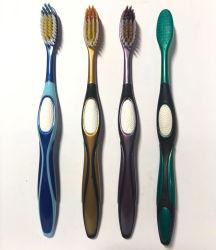 Prime de vente chaude PBT poignée colorée à picots coniques adultes brosse à dents