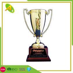 Fashion Award en alliage de zinc verre Polyresin Soccer Football Prix de la Coupe du Trophée pour l'événement comme cadeau souvenir 048)