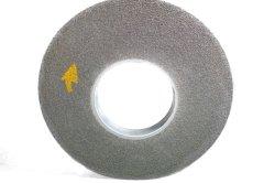 스테인리스를 위한 비 길쌈된 나일론 연마재 가는 닦는 깔깔한 면을 자르는 끝마무리 나선상 바퀴