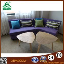 Мебель с одной спальней и диваном, кроватью и цельной древесины в таблице