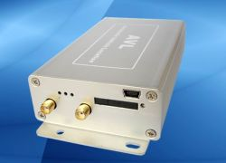 GSM/GPRS/GPS vehículo Tracker con alarma antirrobo, compatible con puerto mini USB (AVL05).