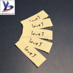 Contrassegno tessuto stampa accessoria su ordinazione dell'indumento del raso piegato estremità di prezzi di fabbrica di taglio del laser