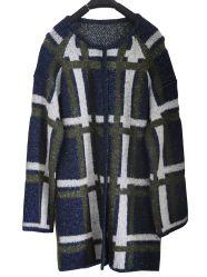 女性冬のカーディガンの長いニットのセーターの衣服