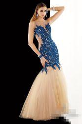 De zuivere Partij van Prom van het Lijfje kleedt de Blauwe Toga's van de Partij van Tulle van de Meermin van de Avondjurk van de Kristallen van de Kralenversiering Formele