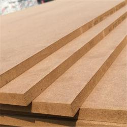Commerce de gros Sapele/Oak/placage de bois de teck MDF/HDF moulé de la peau de porte de l'usine