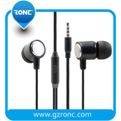 Usine de la vente directe des prix bon marché échantillon gratuit de 3,5 mm, téléphone filaire Handfree ear 3.5mm jack dans l'oreille basses filaire stéréo avec microphone mains libres Ecouteurs Mobile