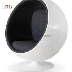De goedkope Bevindende Stoel van het Ei van de Grootte van de Glasvezel van de Wartel Rode Volwassen