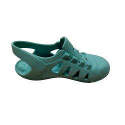 快適なエヴァの泡の注入は偶然のサンダルの注入の靴底に蹄鉄を打つ
