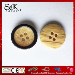 Effet de bois 4 trous pour les vêtements du bouton de résine plastique