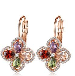 Los diseños de moda de joyería colorida Four-Leaf nuevo modelo de los tréboles Fancy de aleación de cobre de zirconio personalizado Bold lindo Clip pendientes para la Mujer