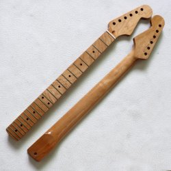 22 L'Érable Rôti de frette ST Cou de guitare avec l'écrou de l'os