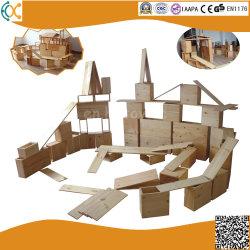 炭化された木製の大型の屋外の子供のブロック