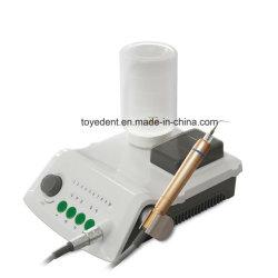 Traitement des dents Soins dentaires de haute qualité de soins dentaires avec une bouteille à ultrasons portable Scaler