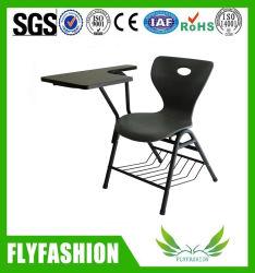 Пластмассовых стульев колледжа и университета обучения учащихся с планшетного ПК