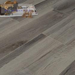 أرضية خشبية سطحية منقوشة قليلاً من البلوط 8.3مم