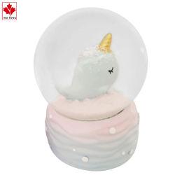 Vetro resina Snow Globe Desktop miniatura Whale decor Water Globe Tavolo Figurine bambini regalo