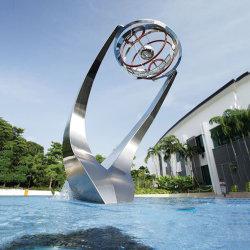 Moderne metalen beeldhouwkunst Tuinkunst Abstract RVS fontein voor buiten Beeldhouwkunst Metal Craft