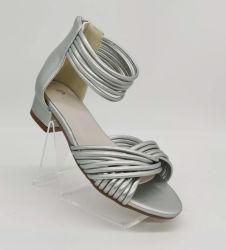 2020 Sandals di cuoio casuali dell'unità di elaborazione del tallone delle donne del pattino di modo basso di estate della signora Women