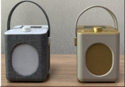 Stijlvol, familiestijl, familieontwerp, Retro-ontwerp, Vintage, Digitale DAB FM-radio in 60-stijl met Bluetooth-luidspreker