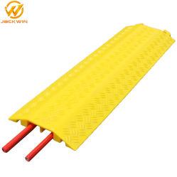 Suelos interiores de color amarillo de plástico de cubierta del cable eléctrico para la protección de cables