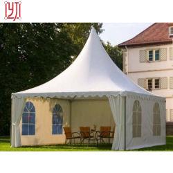 PVC結婚披露宴のイベントの玄関ひさしの最も高いピークの塔のおおいのテント