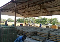 مصنوعة من البامبو والخشب الرقائقي المصنوع من الخيزران لتوفير آلات تصنيع الكتل الخرسانية