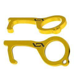 Apri chiave senza contatto tenuto in mano mini Keychain più vicino del portello di Cleankey