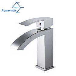Aquacubic à la mode du bassin à poignée unique robinet mélangeur//tap