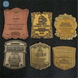 Der nach Maß Hersteller prägte Metallselbstklebendes Zinn-Wein-Kennsatz-Metallfirmenzeichen
