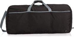 黒い大きい旅行荷物のダッフルバッグ
