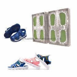 すくいに蹄鉄を打たせる圧縮機械にアルミニウムPVCエヴァ注入の靴の唯一型は子供のサンダルのスリッパの靴型のために停止する