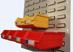 لوحة بلاستيكية مزوّدة بفتحات تهوية من فئة الطعام مع حاوية تخزين مزودة بفتحات تعليق